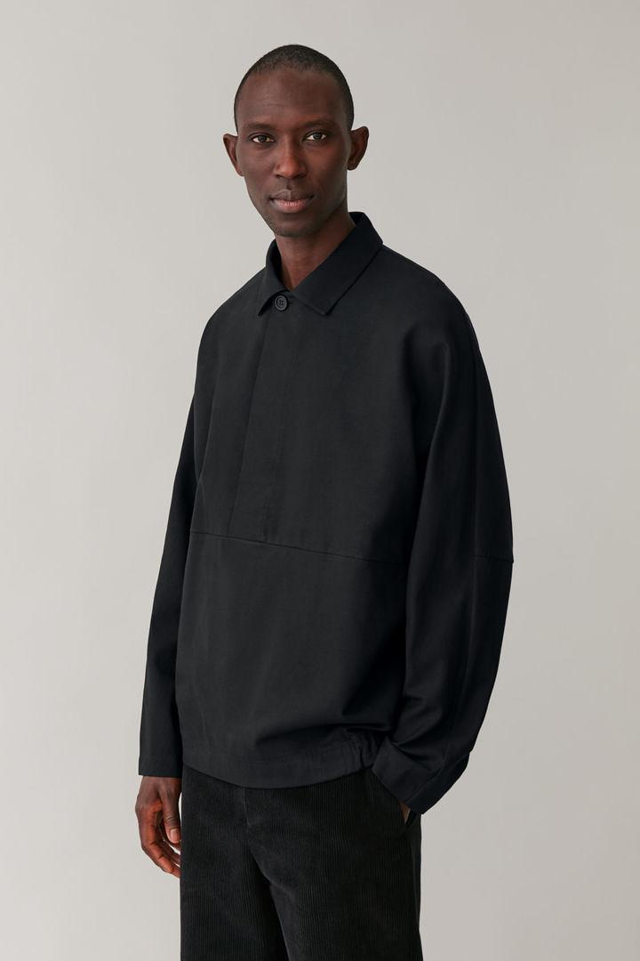 COS default image 4 of 블랙 in 코튼 믹스 기모노 재킷