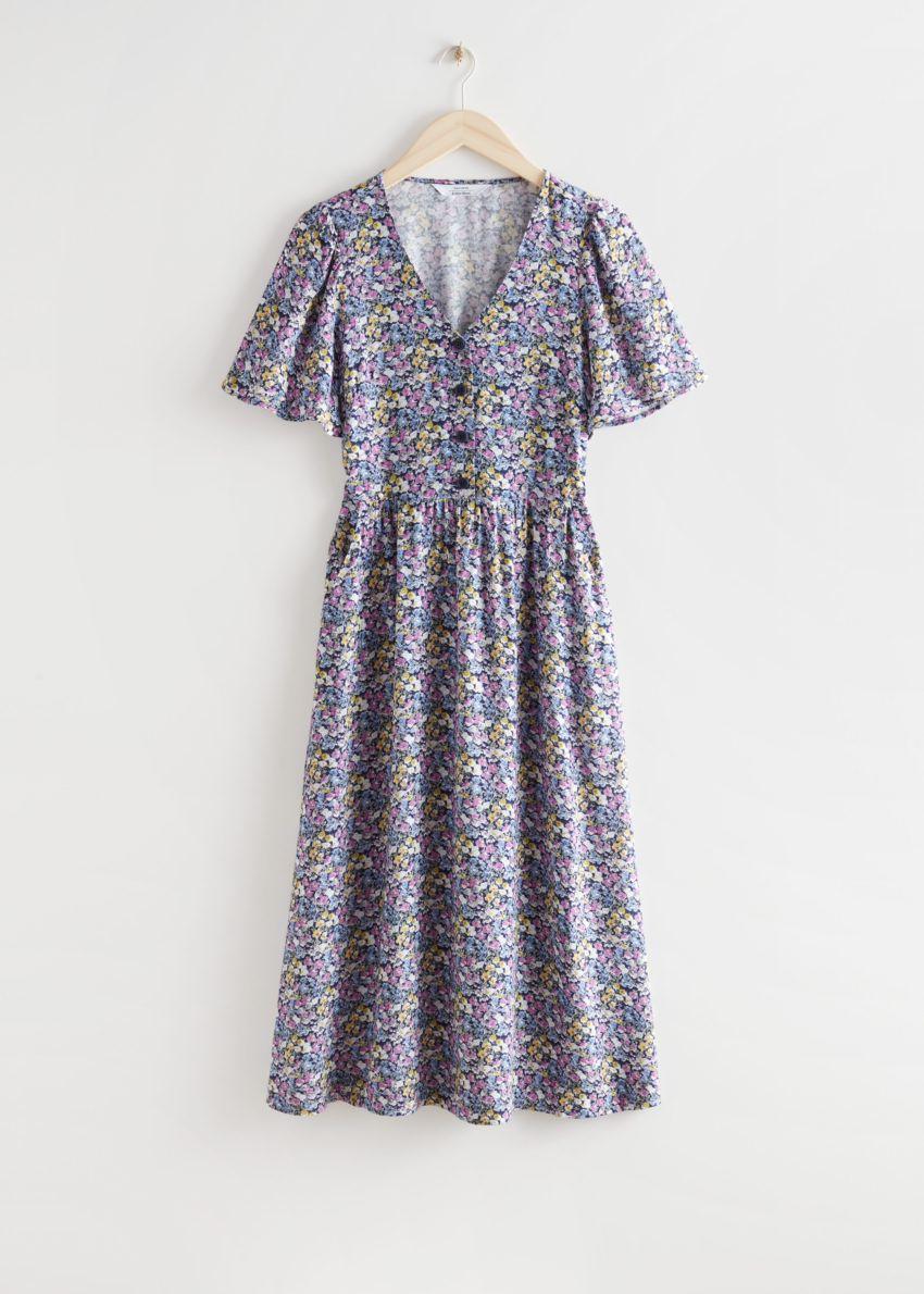 앤아더스토리즈 플러터 슬리브 맥시 드레스의 퍼플 플로럴컬러 Product입니다.