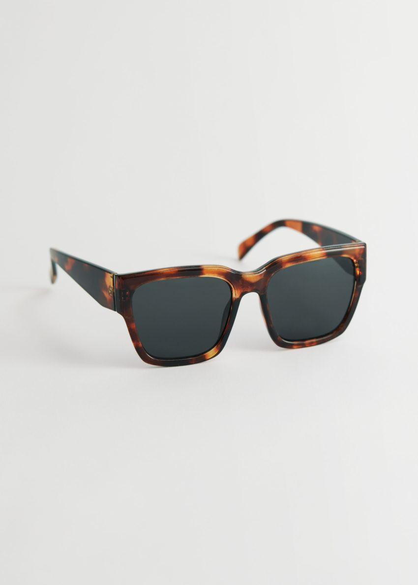 앤아더스토리즈 스퀘어 터토이즈 선글라스의 터토이즈컬러 Product입니다.