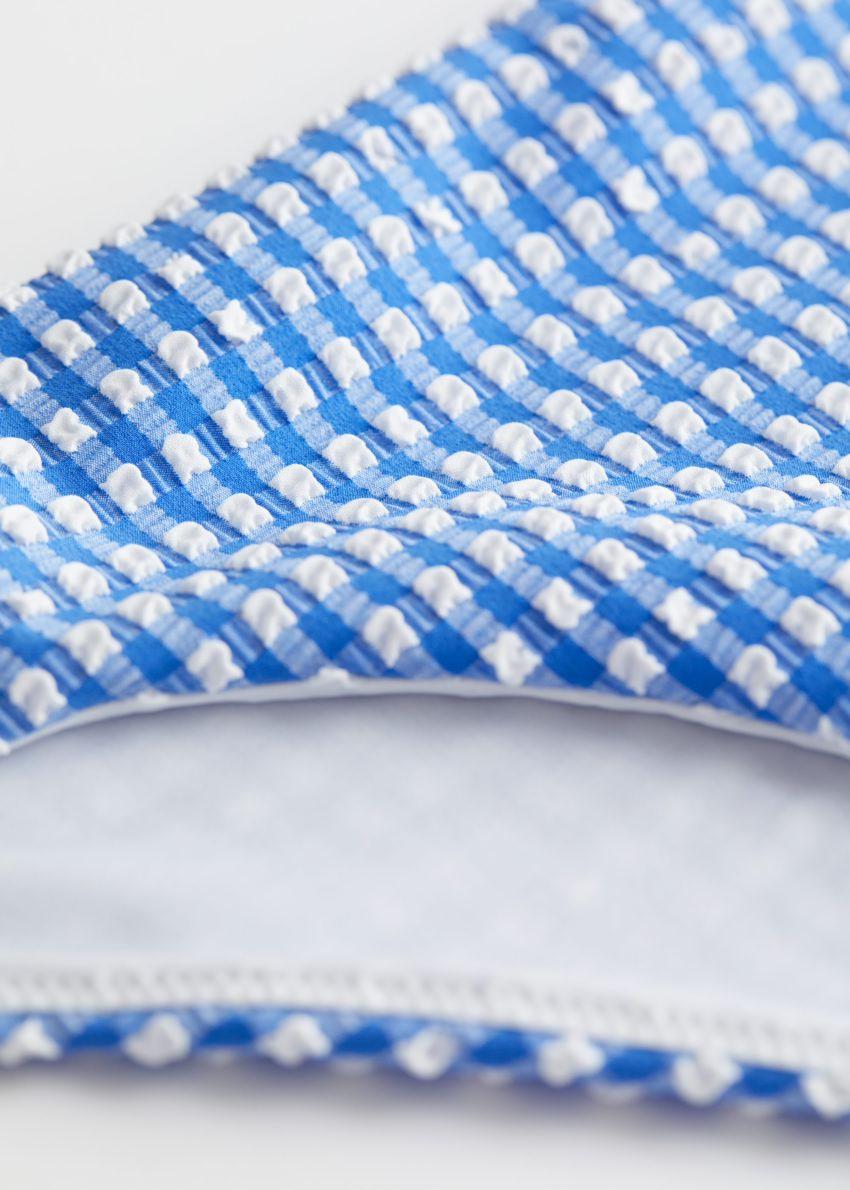앤아더스토리즈 시어서커 비키니 브리프의 블루 깅엄컬러 Detail입니다.