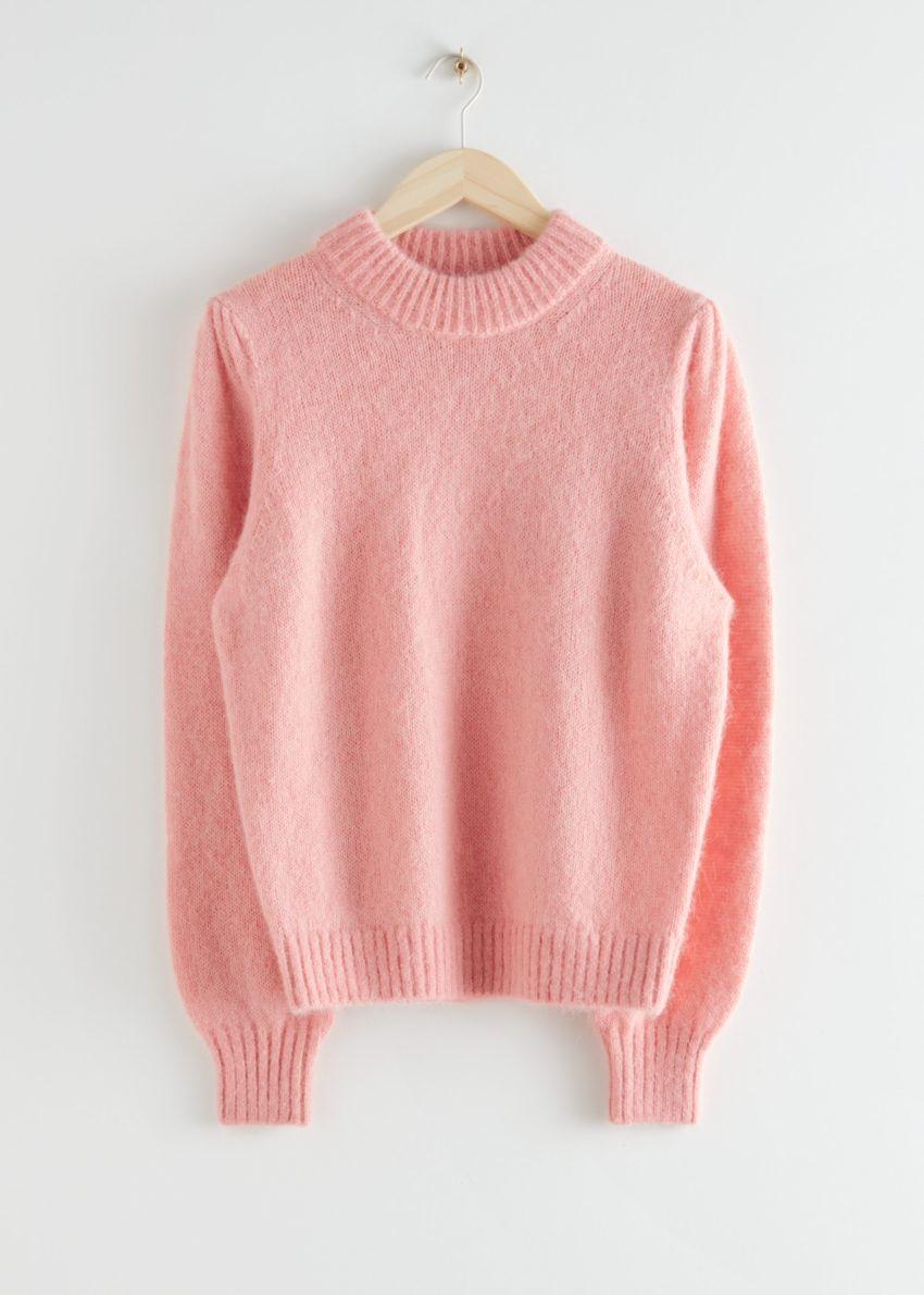 앤아더스토리즈 알파카 블렌드 니트 스웨터의 핑크컬러 Product입니다.