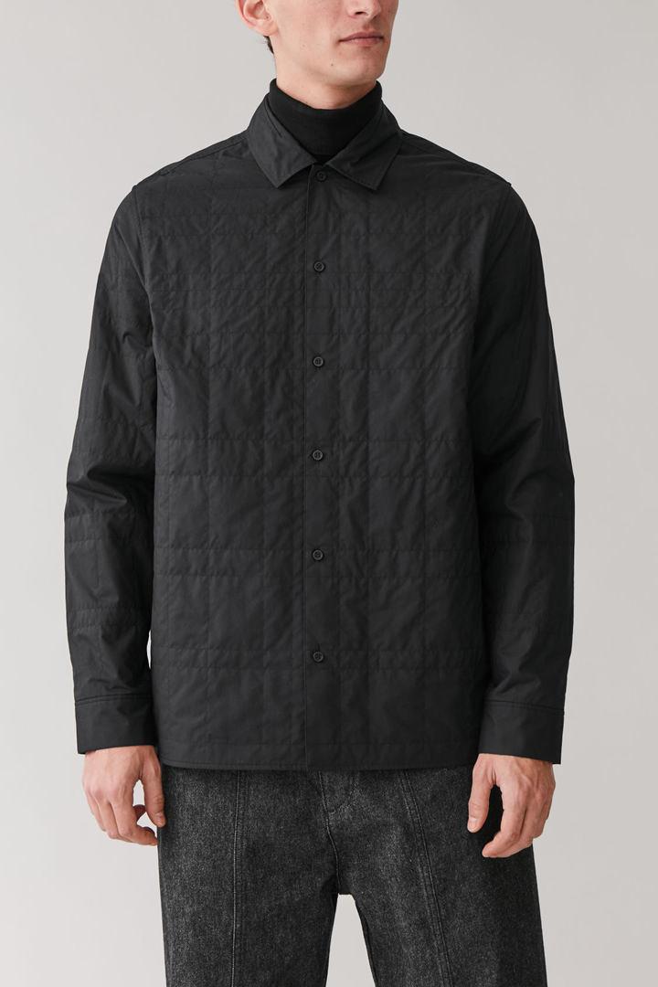 COS default image 7 of 블랙 in 퀼팅 코튼 셔츠