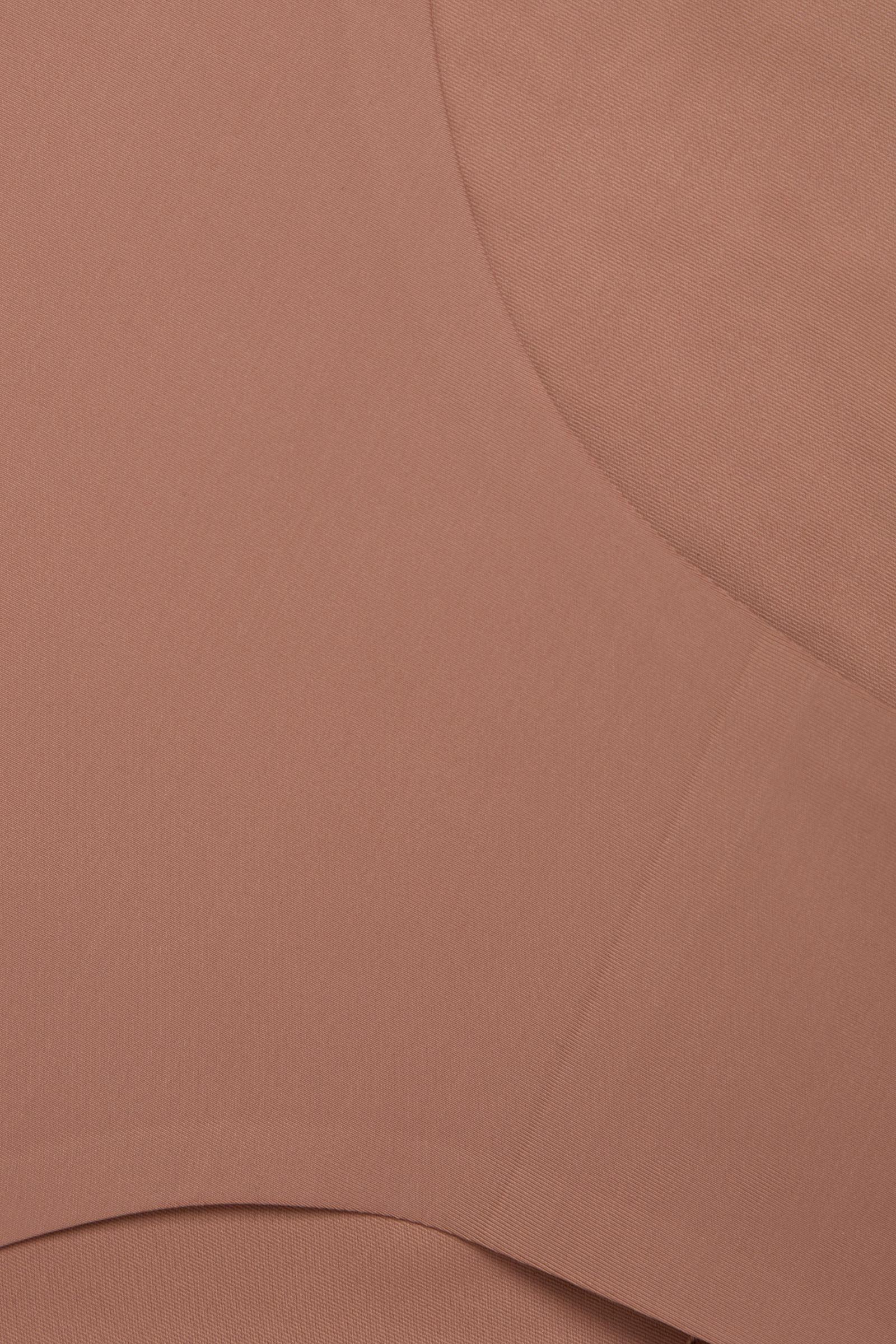 COS 컨트롤 하이 웨이스트 리사이클 나일론 브리프의 쉐이드 319컬러 Detail입니다.