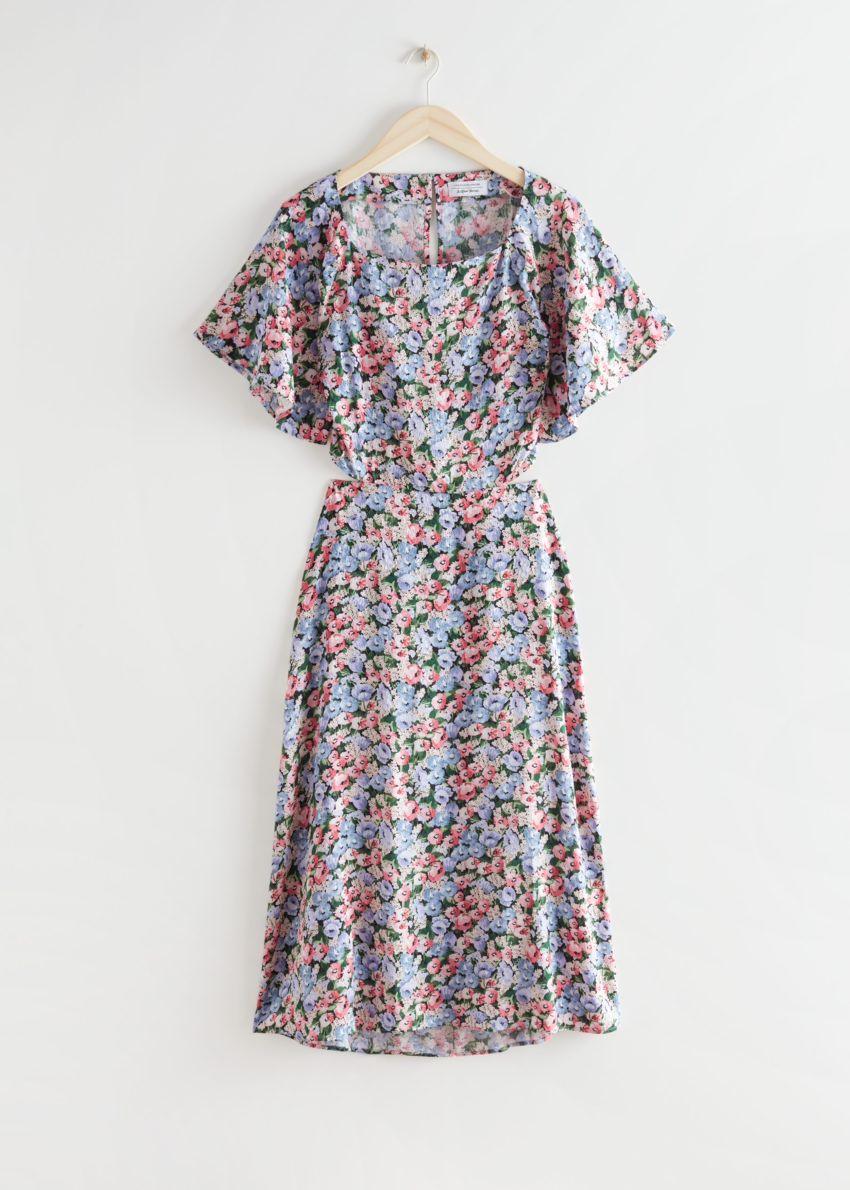 앤아더스토리즈 플로럴 프린트 컷 아웃 미디 드레스의 블루 플로럴컬러 Product입니다.