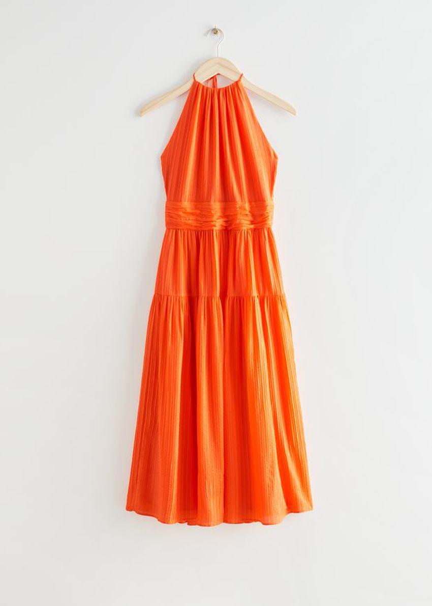 앤아더스토리즈 멀베리 실크 홀터 미디 드레스의 오렌지컬러 Product입니다.