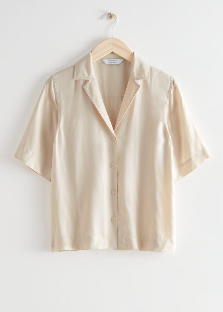 앤아더스토리즈 릴렉스드 버튼 업 볼링 셔츠의 크림컬러 Product입니다.