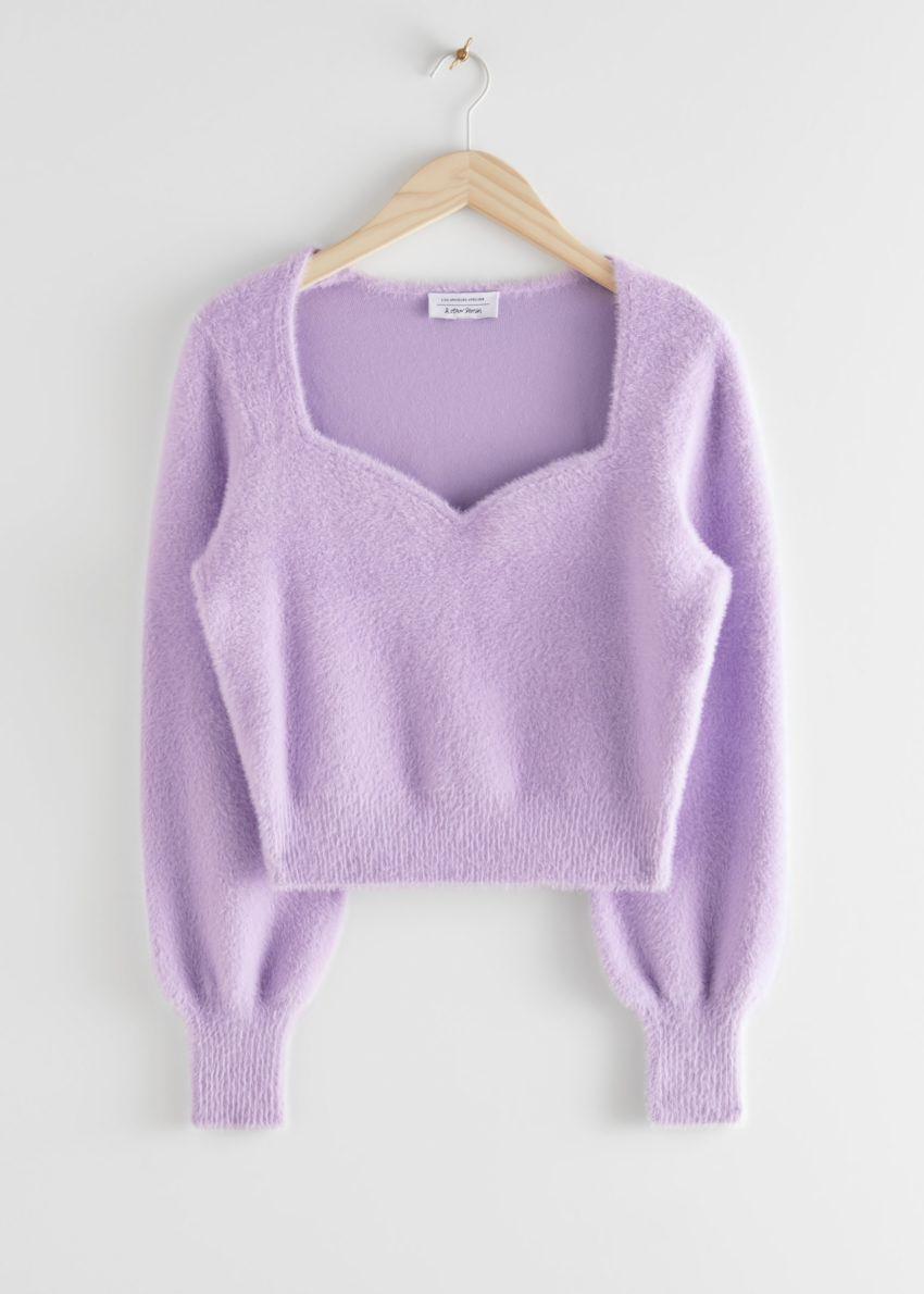앤아더스토리즈 크롭 스위트하트 넥 스웨터의 라일락컬러 Product입니다.