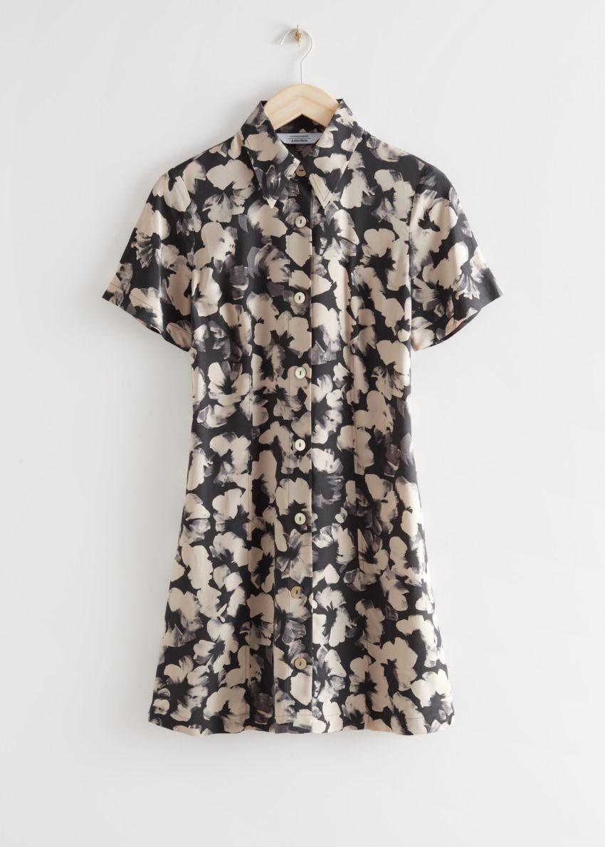 앤아더스토리즈 미니 셔츠 드레스의 블랙 플로럴컬러 Product입니다.