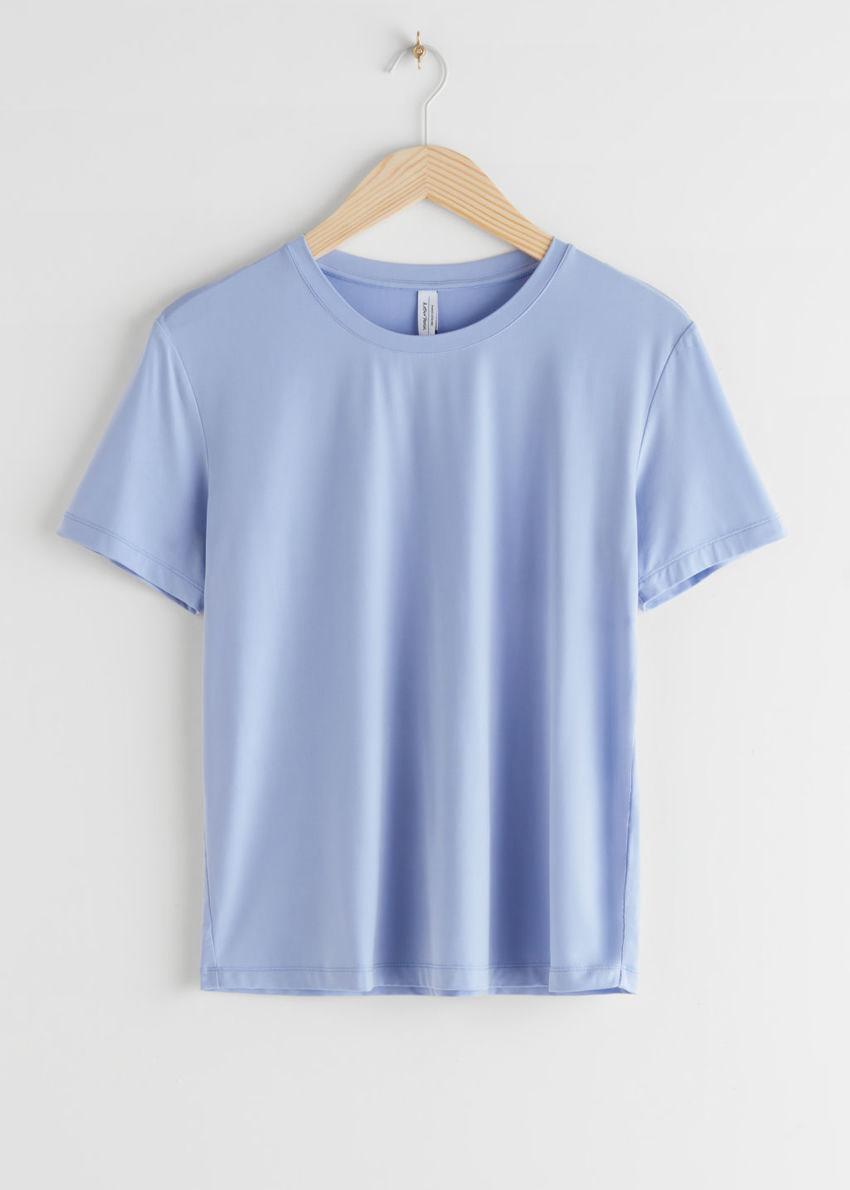 앤아더스토리즈 쿠프로 티셔츠의 베이비 블루컬러 Product입니다.