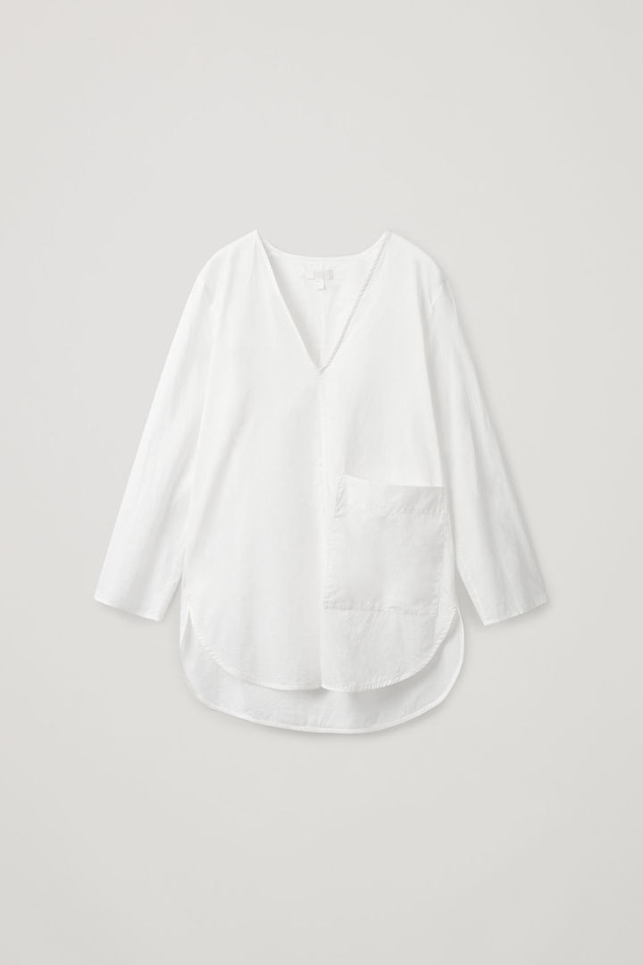 COS 라운디드 코튼 셔츠의 화이트컬러 Product입니다.