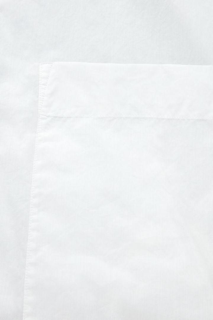 COS 라운디드 코튼 셔츠의 화이트컬러 Detail입니다.