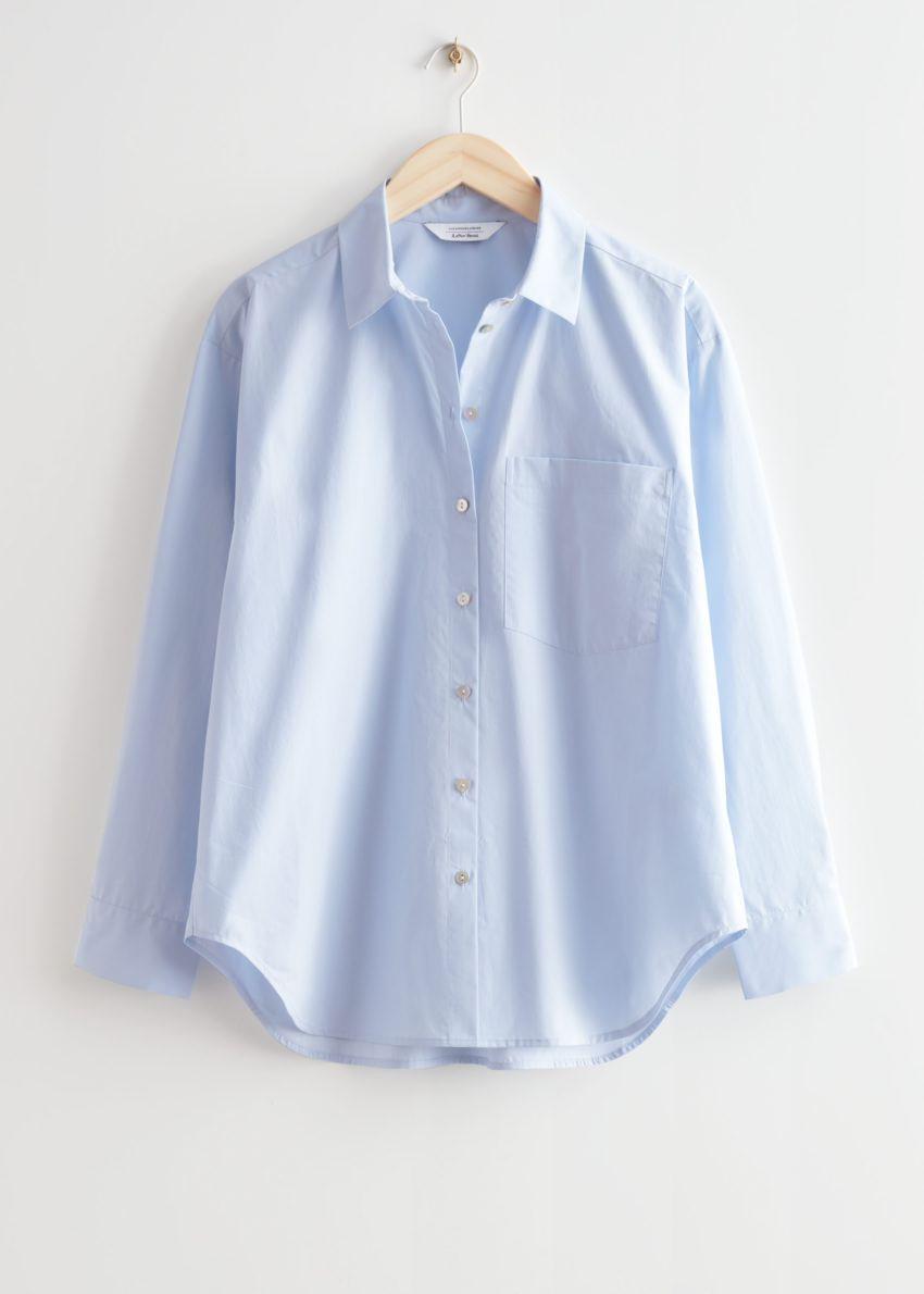 앤아더스토리즈 오버사이즈 셔츠의 라이트 블루컬러 Product입니다.