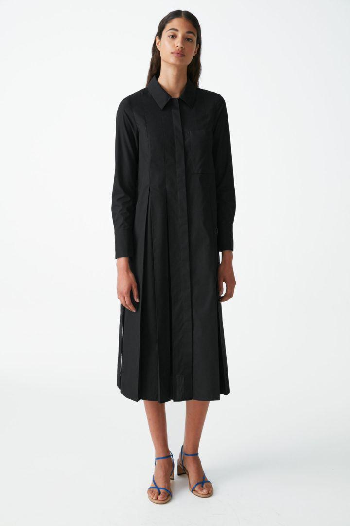 COS default image 6 of 블랙 in 플리츠 코튼 셔츠 드레스