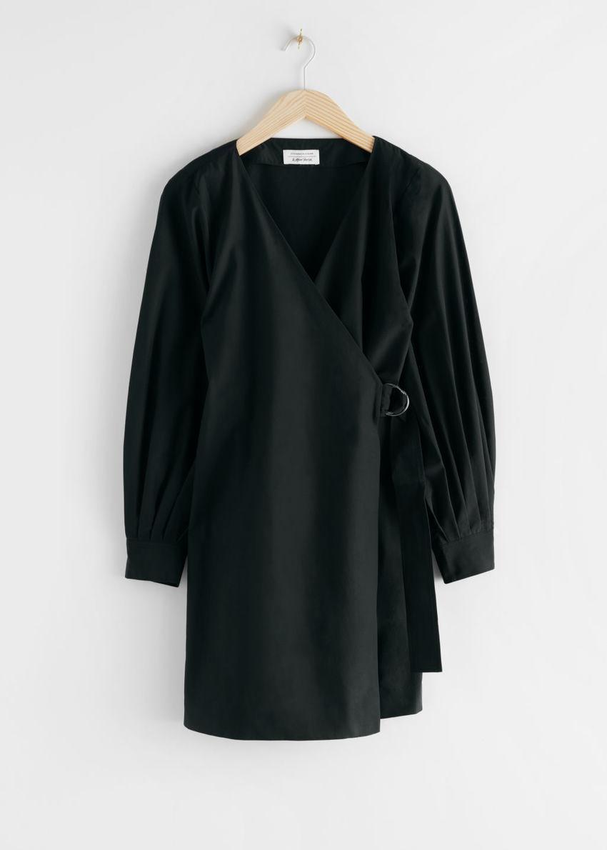 앤아더스토리즈 벨티트 리오셀 블렌드 랩 드레스의 블랙컬러 Product입니다.
