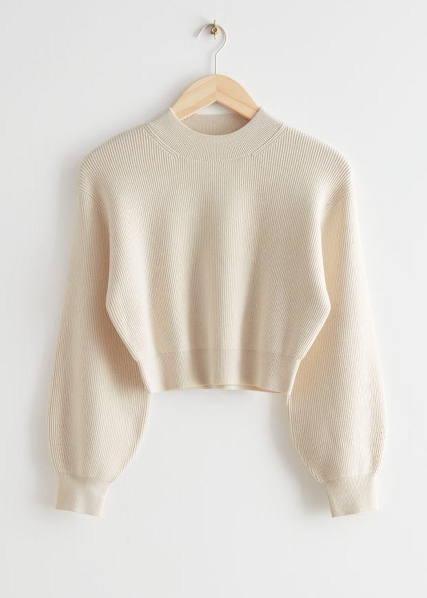 앤아더스토리즈 크롭 버블 슬리브 니트 스웨터의 크림컬러 Product입니다.
