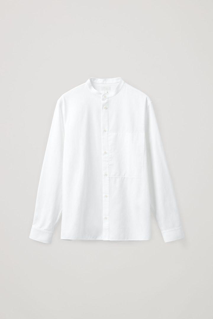 COS 레귤러 핏 칼라리스 셔츠의 화이트컬러 Product입니다.