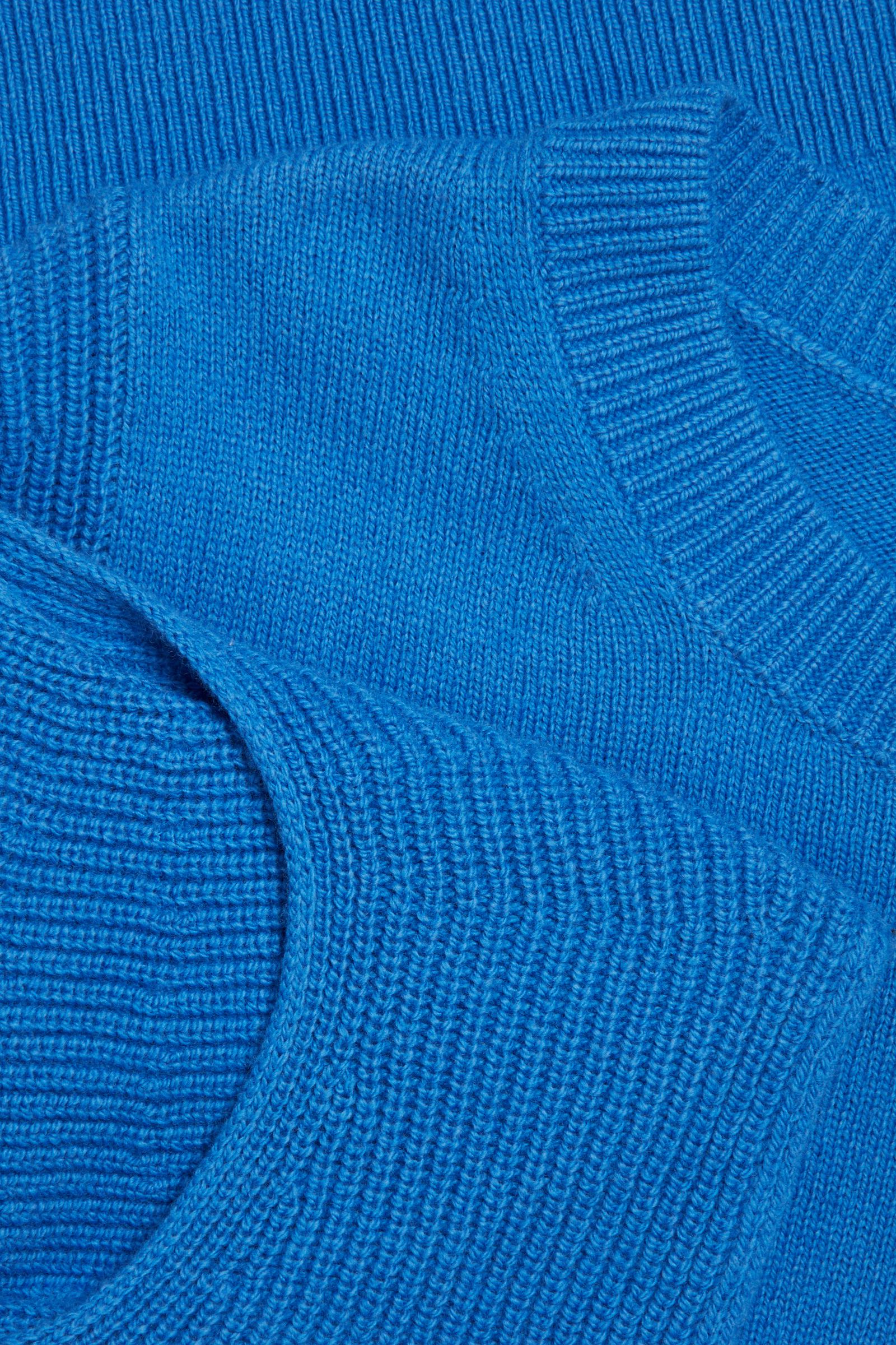 COS 오가닉 코튼 울 믹스 트위스티드 슬리브 니티드 탑의 블루컬러 Detail입니다.