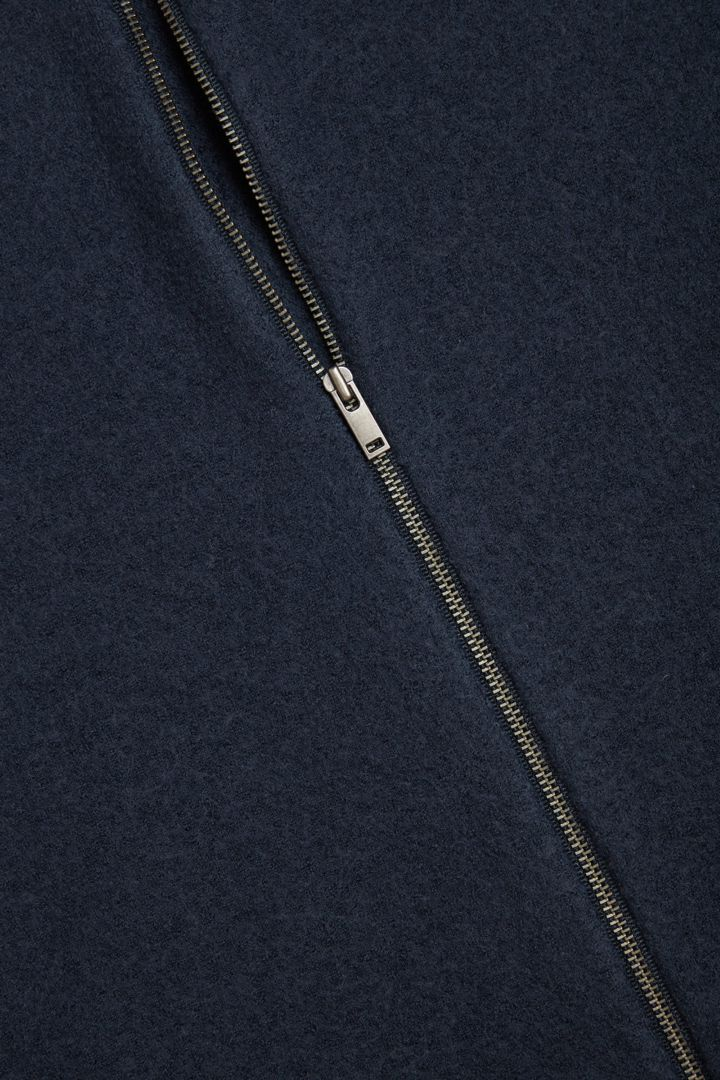 COS 메리노 울 후디드 집업 드레스의 블루컬러 Detail입니다.