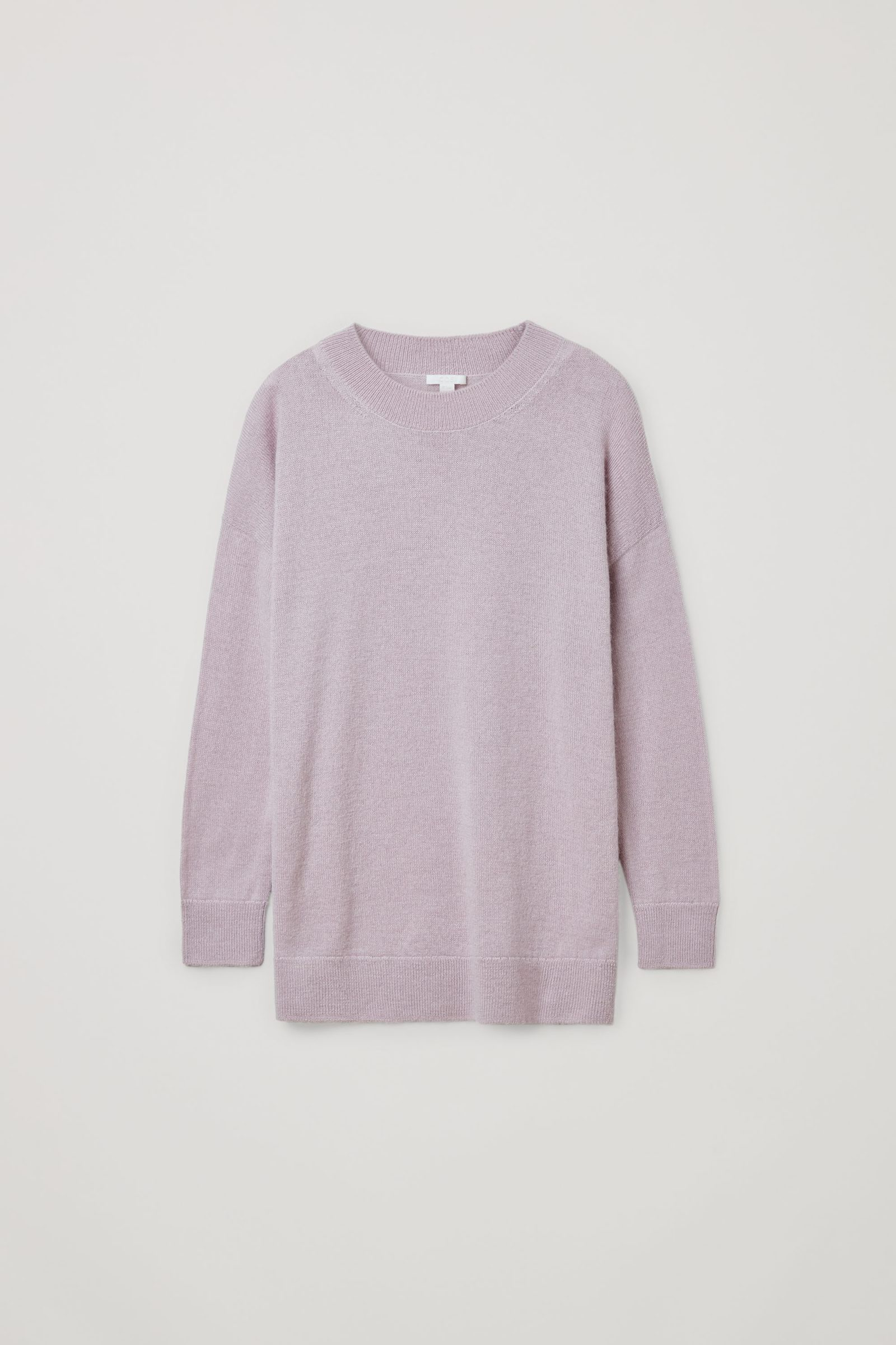 COS 알파카 플레인 니트 스웨터의 핑크컬러 Product입니다.
