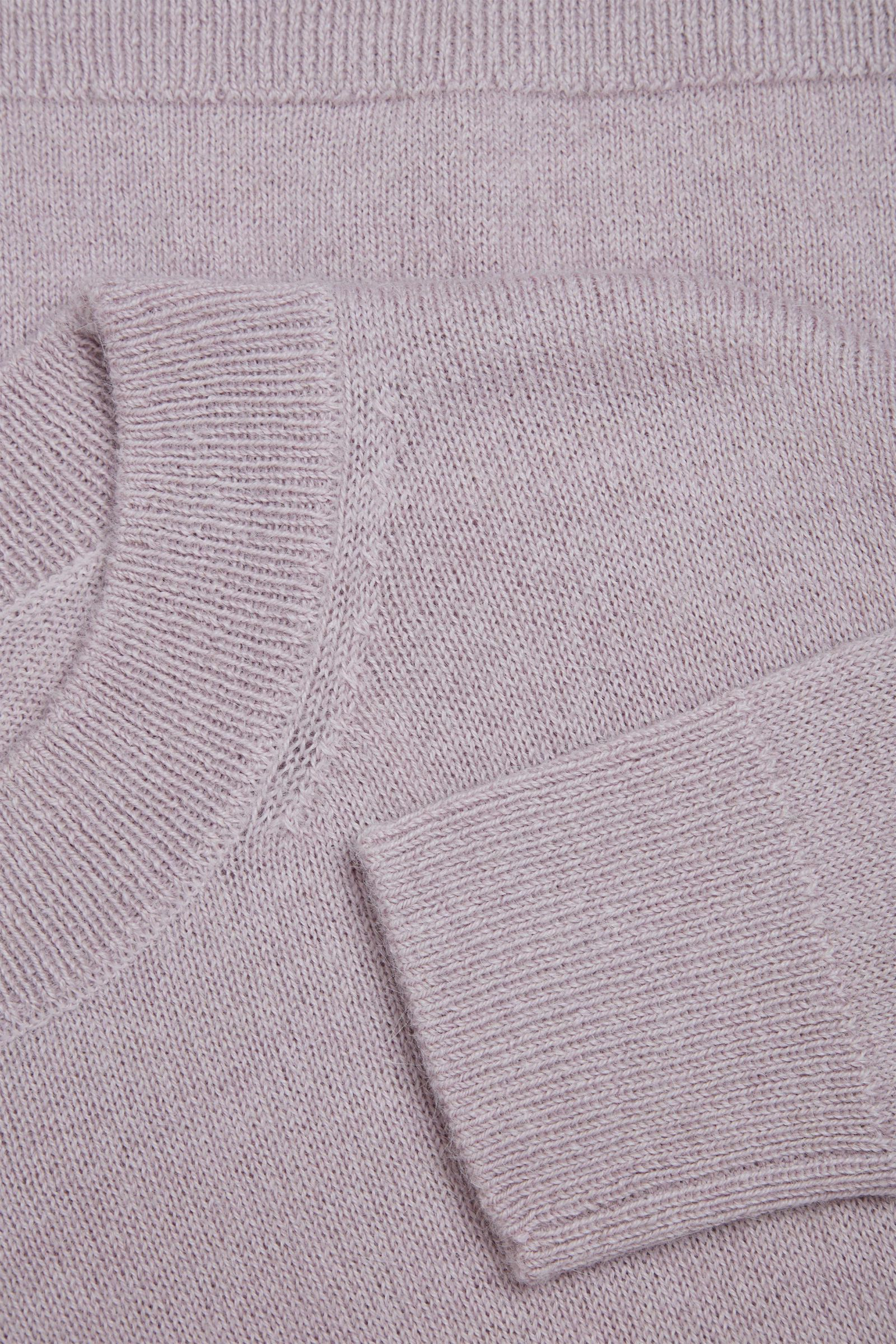 COS 알파카 플레인 니트 스웨터의 핑크컬러 Detail입니다.