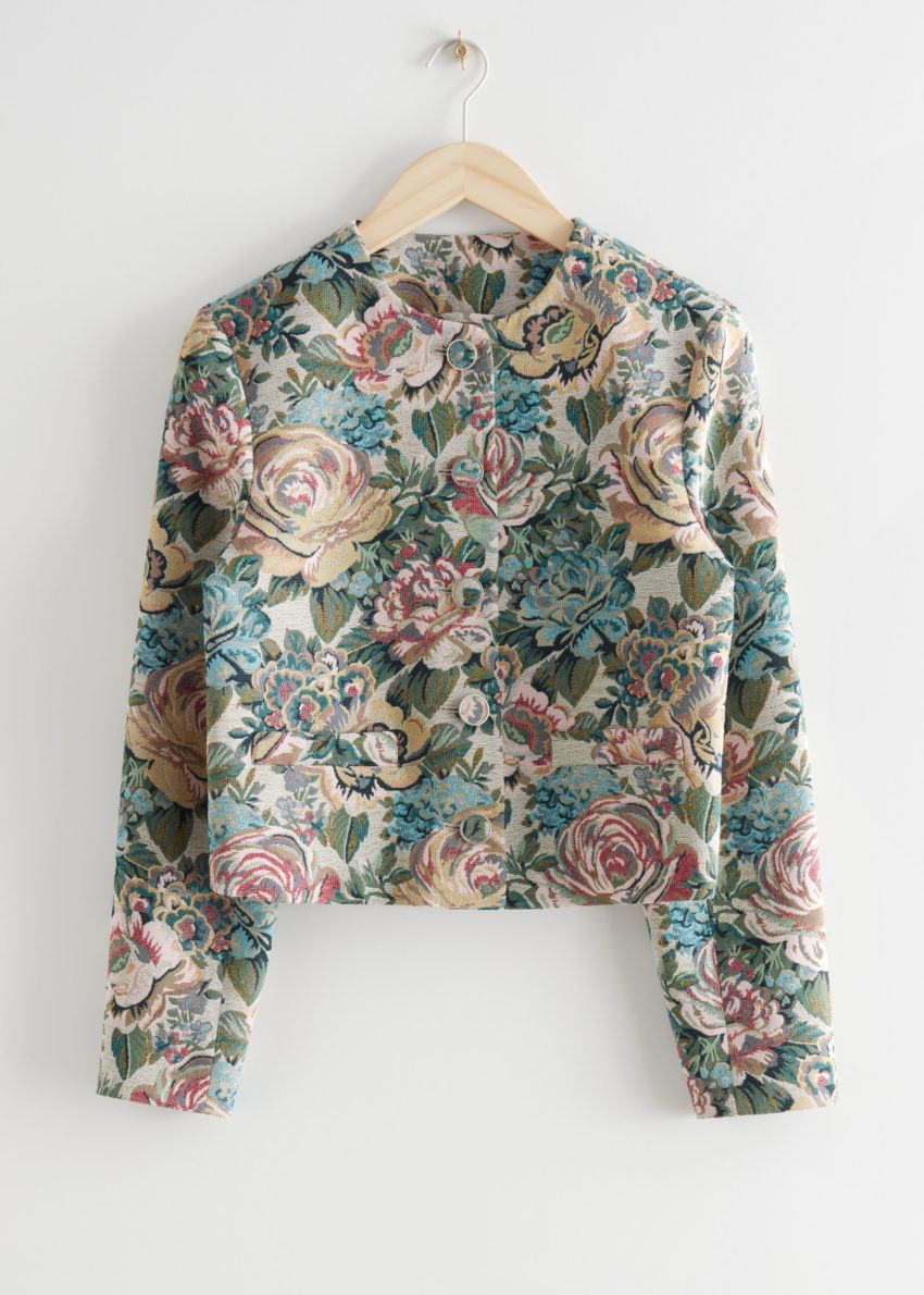 앤아더스토리즈 피티드 크롭 플로럴 자카드 수트 재킷의 블루 플로럴컬러 Product입니다.