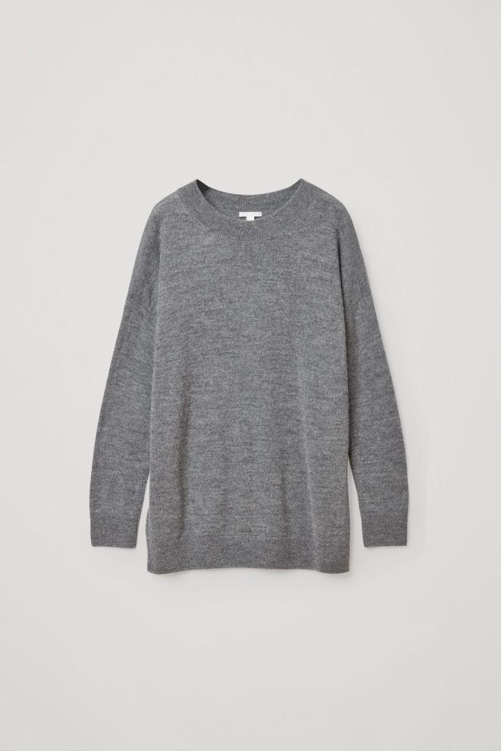 COS 알파카 플레인 니트 스웨터의 그레이컬러 Product입니다.
