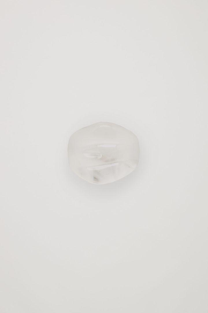 COS 리사이클드 글래스 트랜스루슨트 링의 화이트컬러 Product입니다.