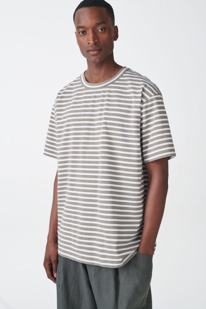 COS default image 1 of  in 오가닉 코튼 컨트래스트 스트라이프 티셔츠
