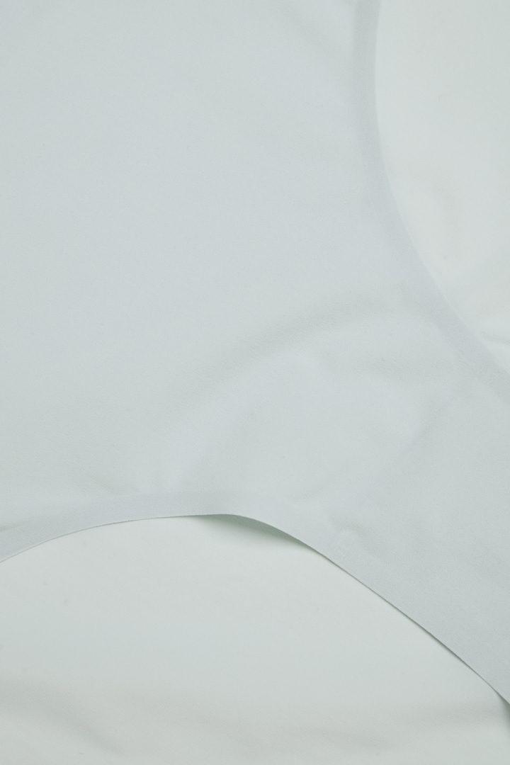 COS 브라질리언 브리프의 라이트 터쿼이즈컬러 Detail입니다.
