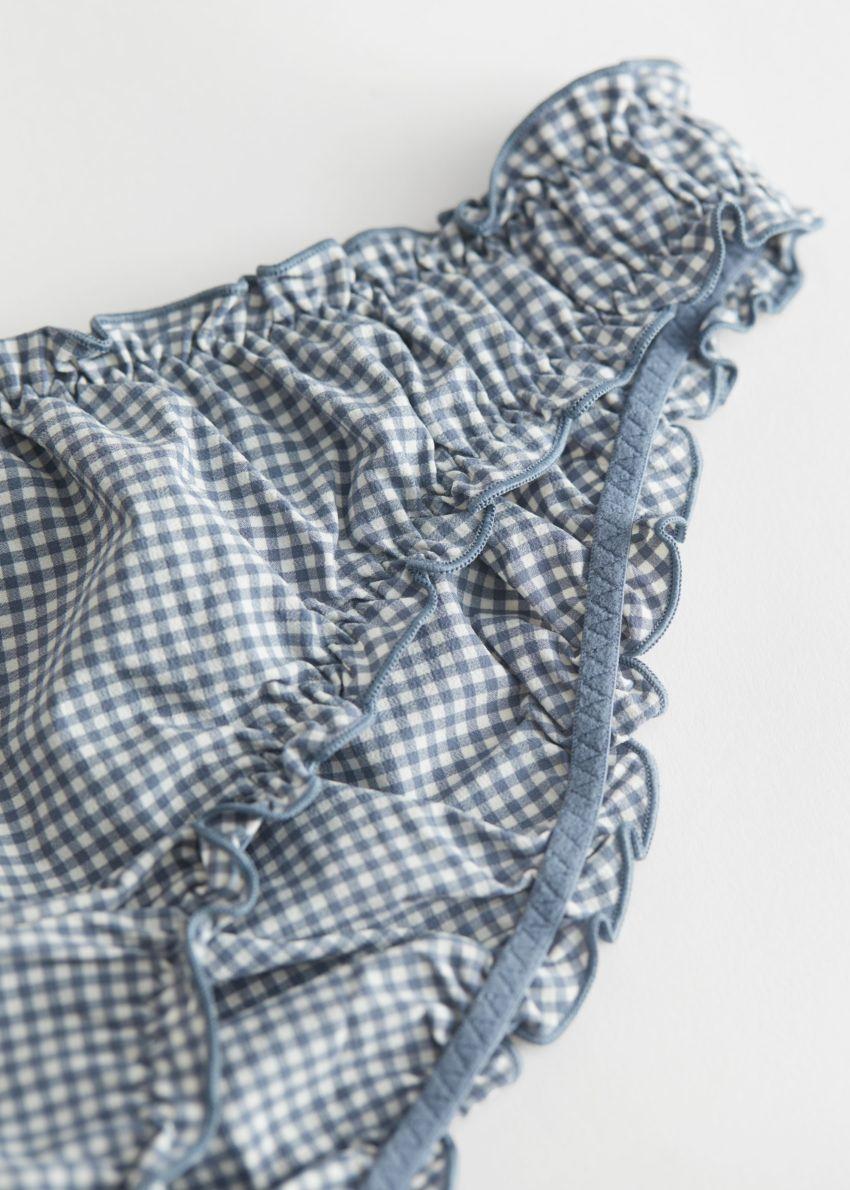 앤아더스토리즈 프릴 미니 브리프의 블루 체크컬러 Detail입니다.