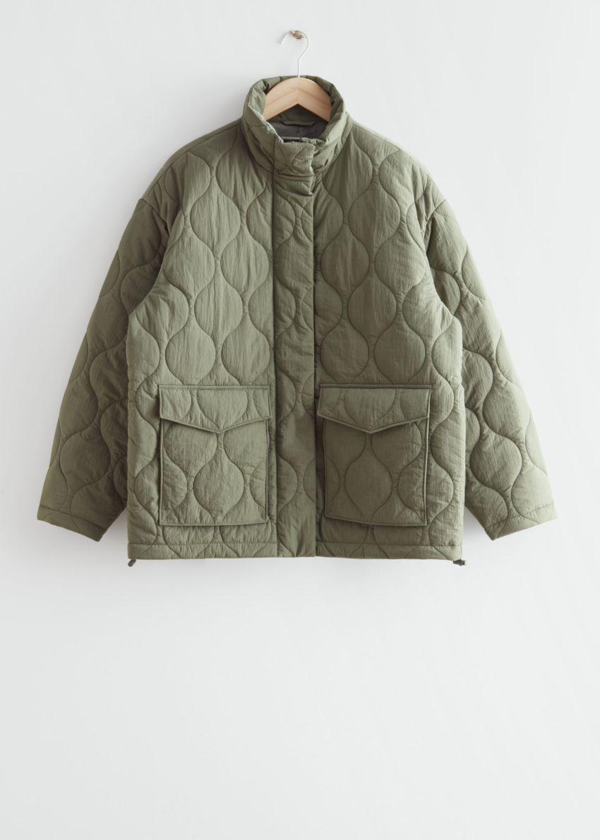 앤아더스토리즈 퀼트 집 재킷의 카키컬러 Product입니다.