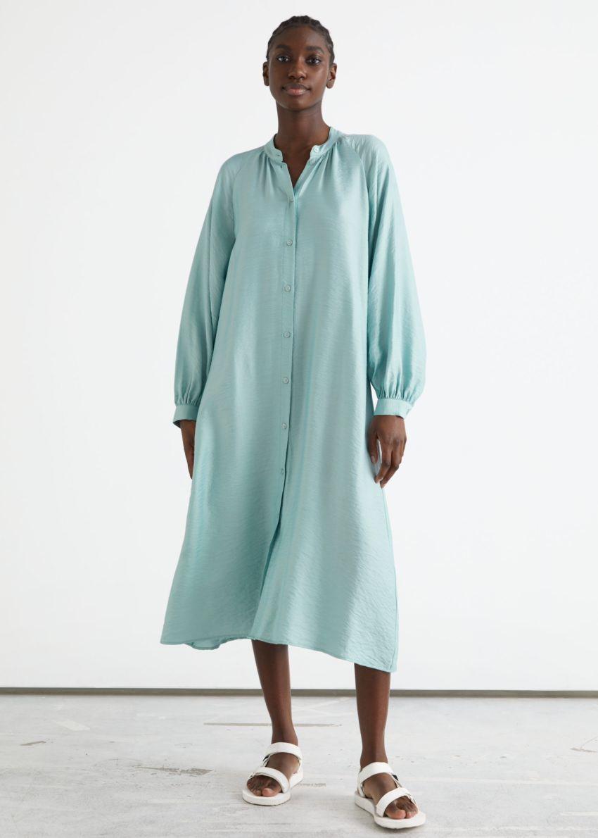앤아더스토리즈 릴렉스드 벨티드 버튼 업 미디 드레스의 라이트 그린컬러 ECOMLook입니다.