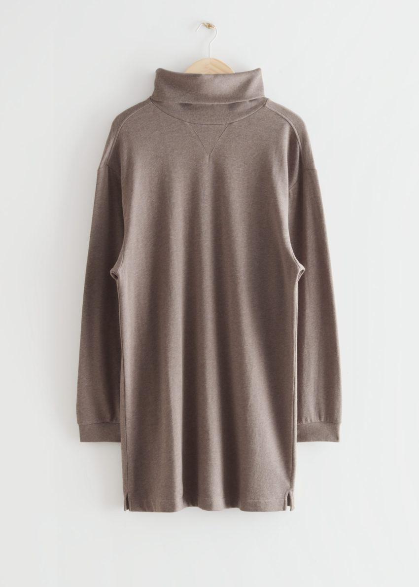앤아더스토리즈 터틀넥 미니 플리스 드레스의 몰컬러 Product입니다.