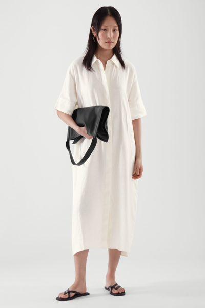 COS hover image 10 of 화이트 in 리넨 셔츠 드레스