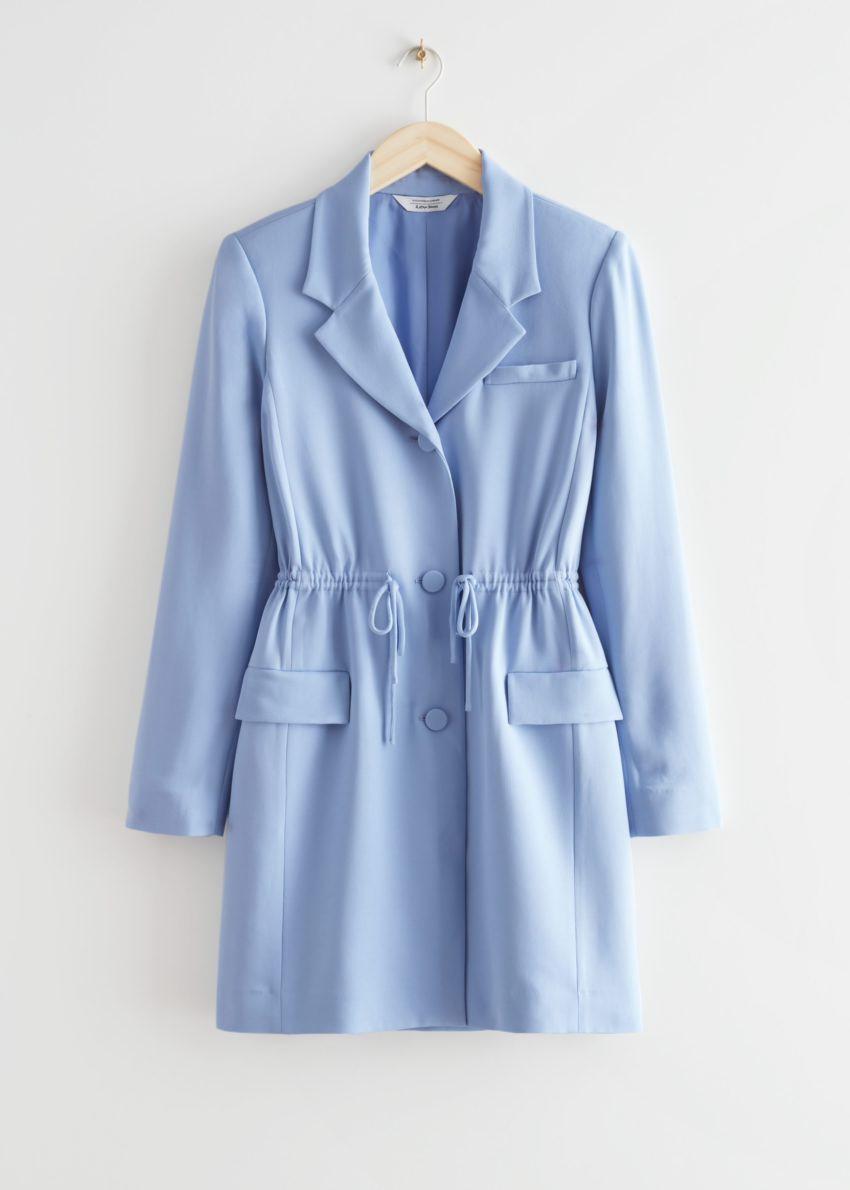 앤아더스토리즈 드로스트링 웨이스트 블레이저 미니 드레스의 라이트 블루컬러 Product입니다.