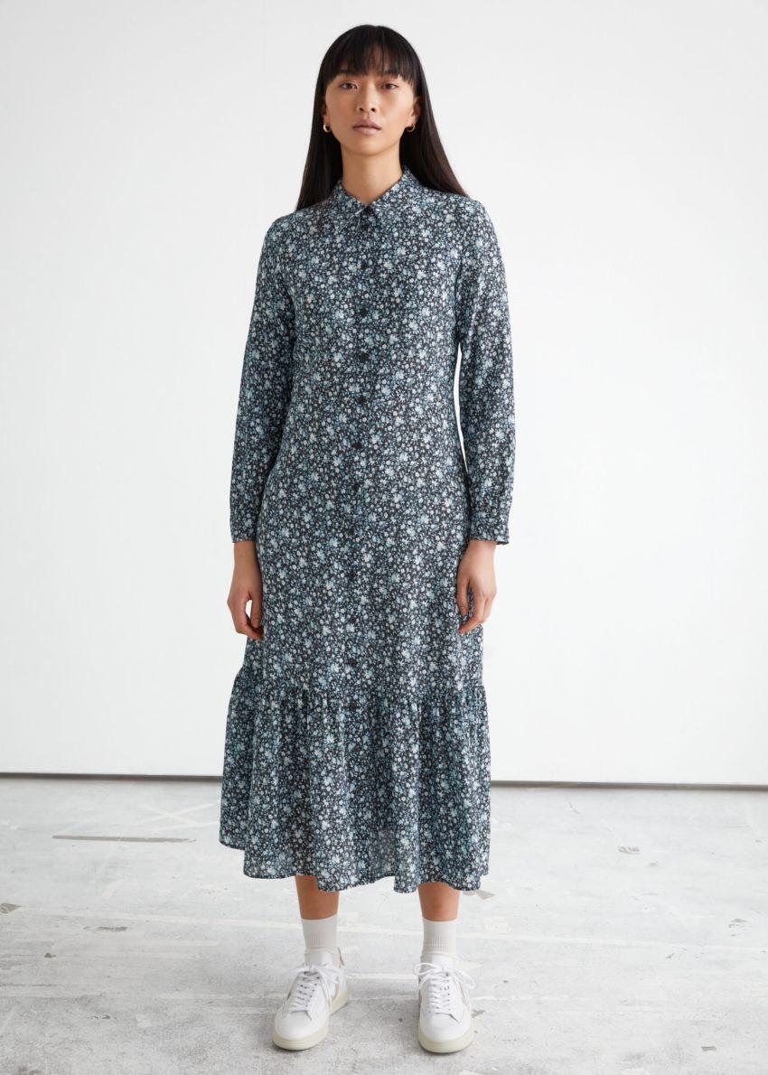 앤아더스토리즈 플루이드 티어드 미디 셔츠 드레스의 그린 플로럴컬러 ECOMLook입니다.