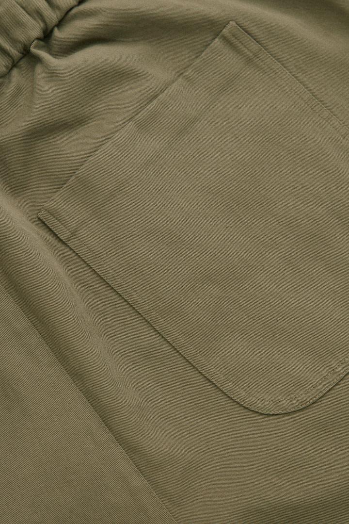 COS 오가닉 코튼 리넨 크롭 트라우저의 베이지컬러 Detail입니다.