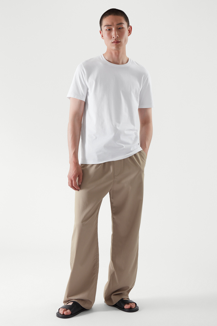 COS default image 7 of 화이트 in 레귤러 핏 티셔츠