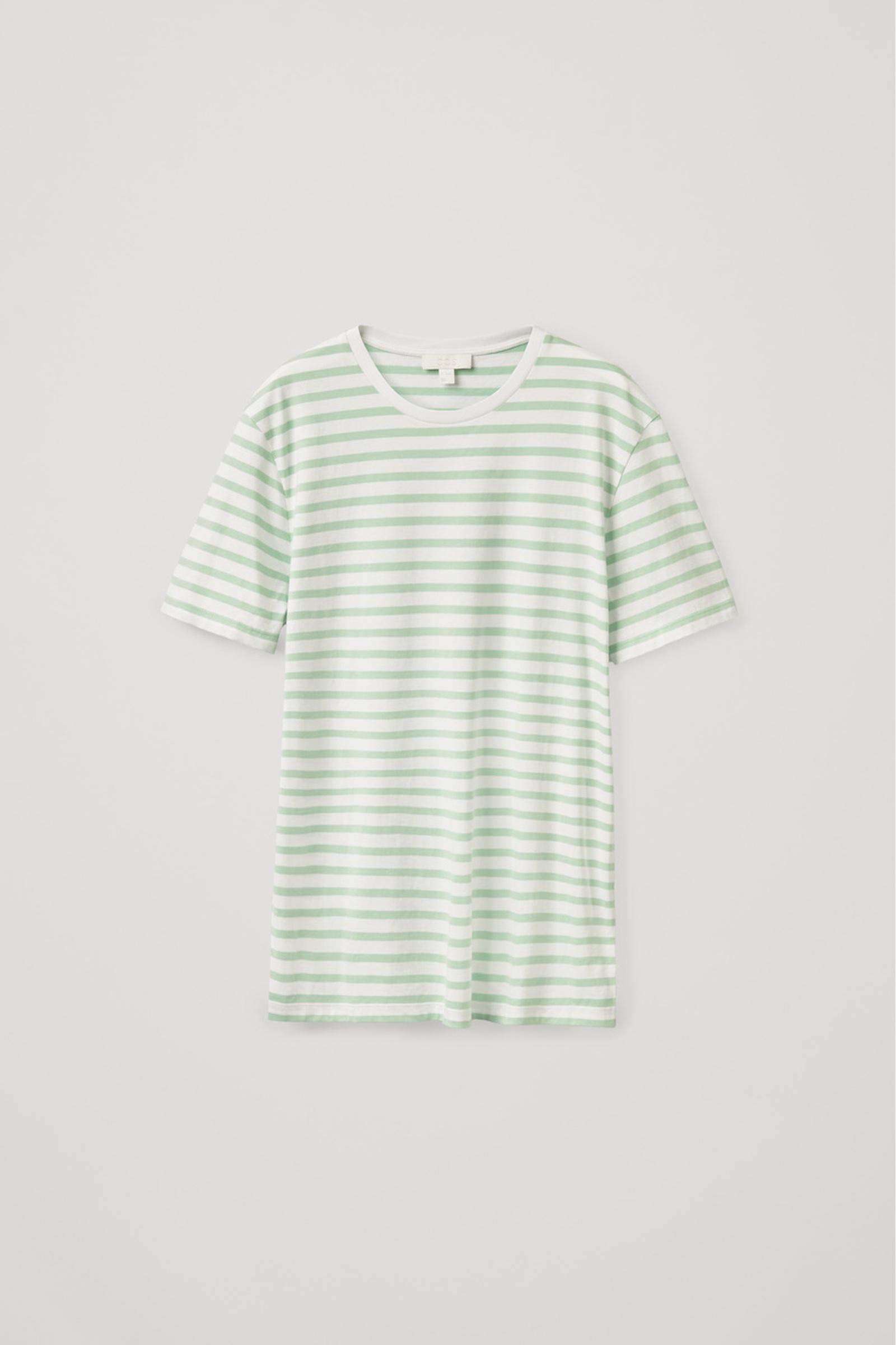 COS 레귤러 핏 티셔츠의 그린컬러 Product입니다.
