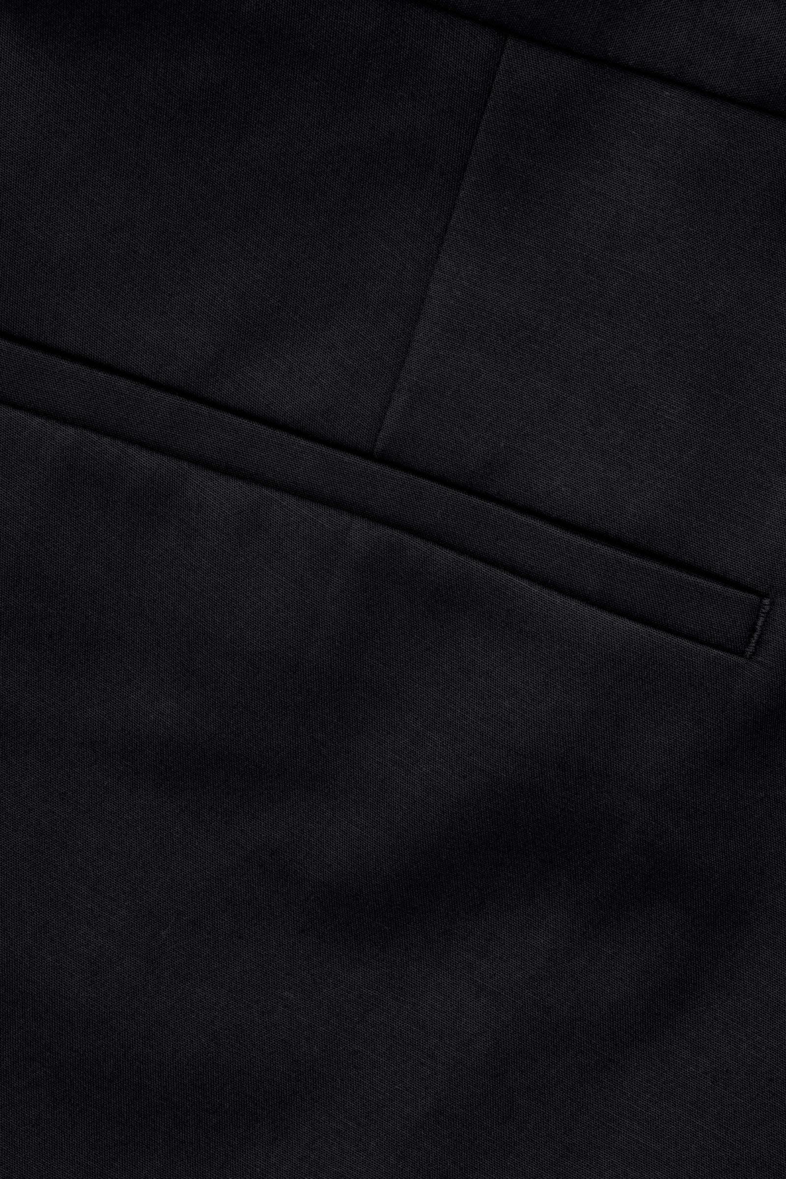 COS 스키니 스트레치 코튼 트라우저의 블랙컬러 Detail입니다.