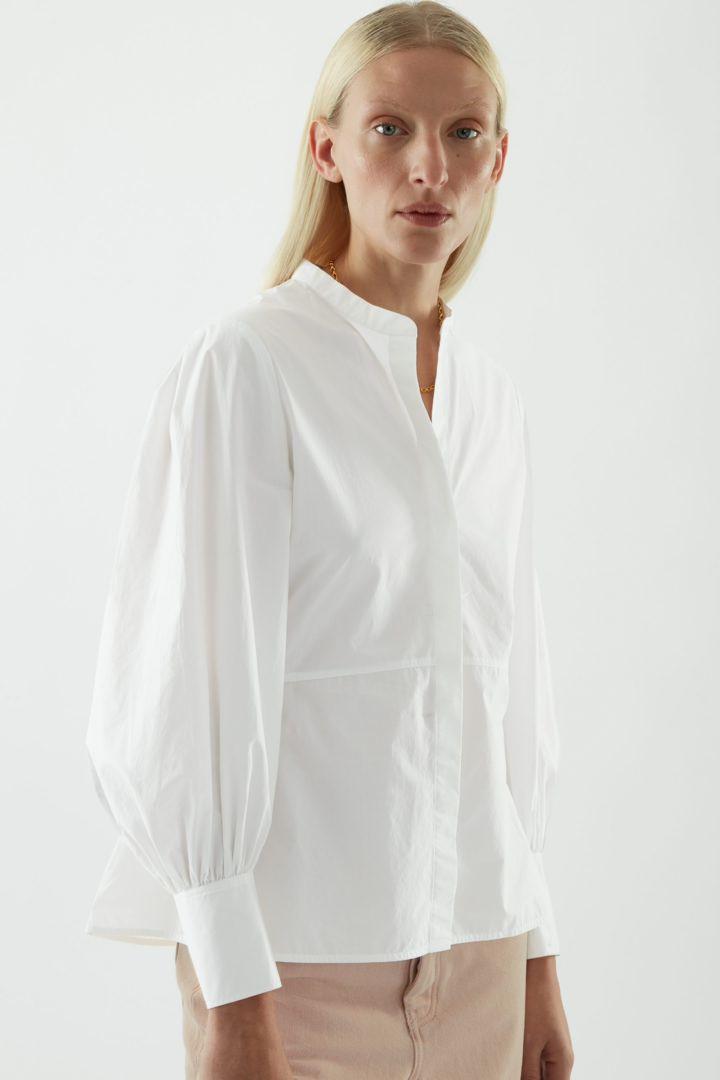 COS default image 3 of 화이트 in 벨 슬리브 피티드 셔츠