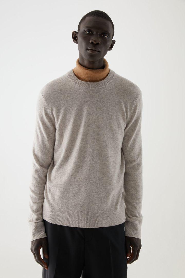 COS default image 2 of 베이지 in 메리노 야크 크루넥 스웨터