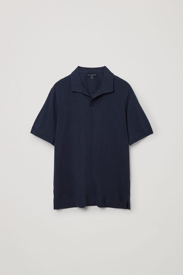 COS 오픈 칼라 코튼 폴로 셔츠의 네이비컬러 Product입니다.