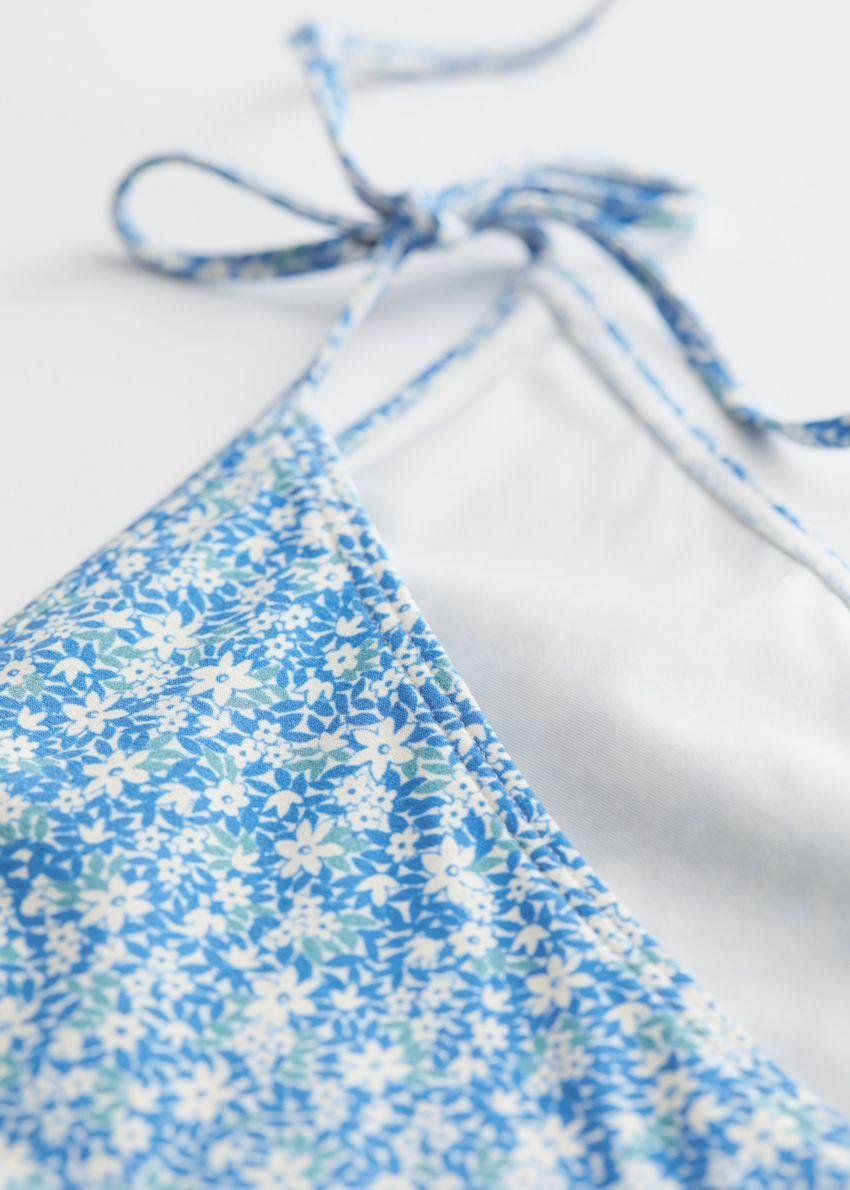 앤아더스토리즈 사이드 타이 미니 브리프의 블루 플로럴컬러 Detail입니다.