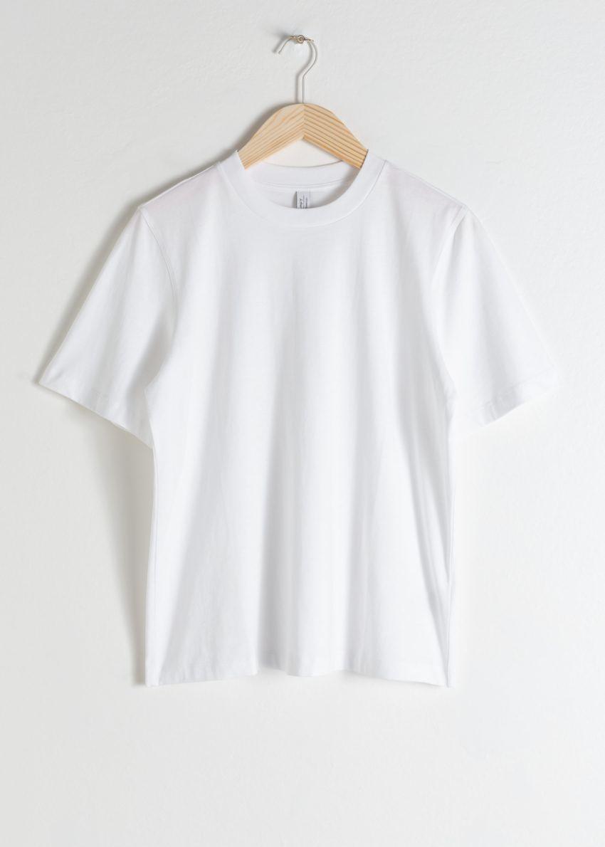 앤아더스토리즈 박시 오가닉 코튼 티셔츠의 화이트컬러 Product입니다.