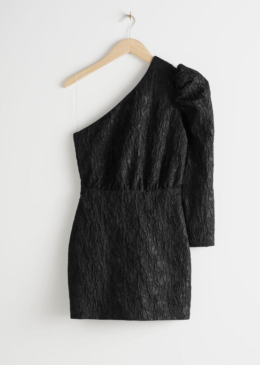 앤아더스토리즈 원 숄더 자카드 미니 드레스의 블랙컬러 Product입니다.