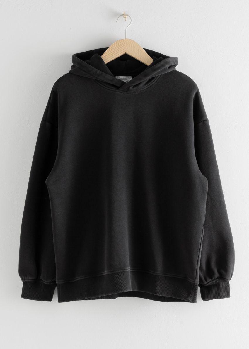 앤아더스토리즈 오버사이즈 후디드 박시 스웨트셔츠의 블랙컬러 Product입니다.