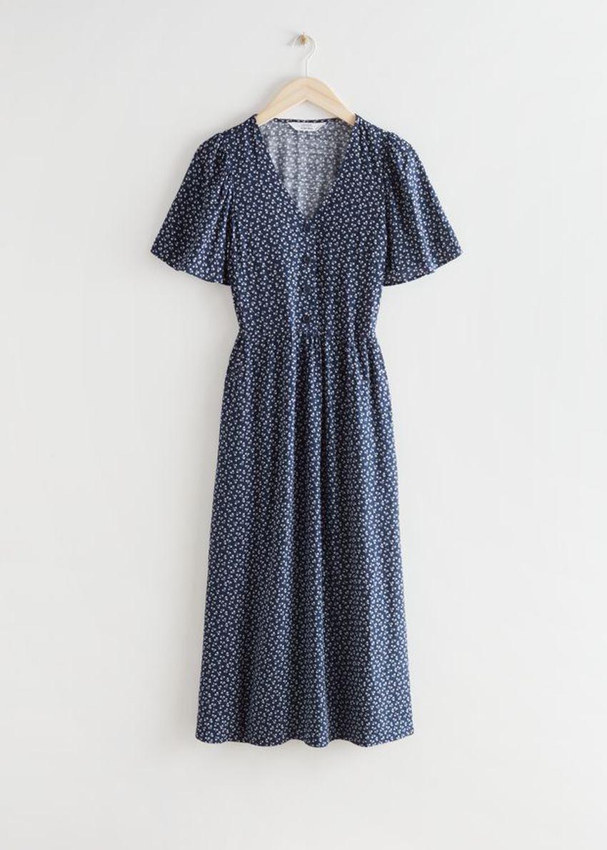 앤아더스토리즈 플러터 슬리브 맥시 드레스의 블루 프린트컬러 Product입니다.