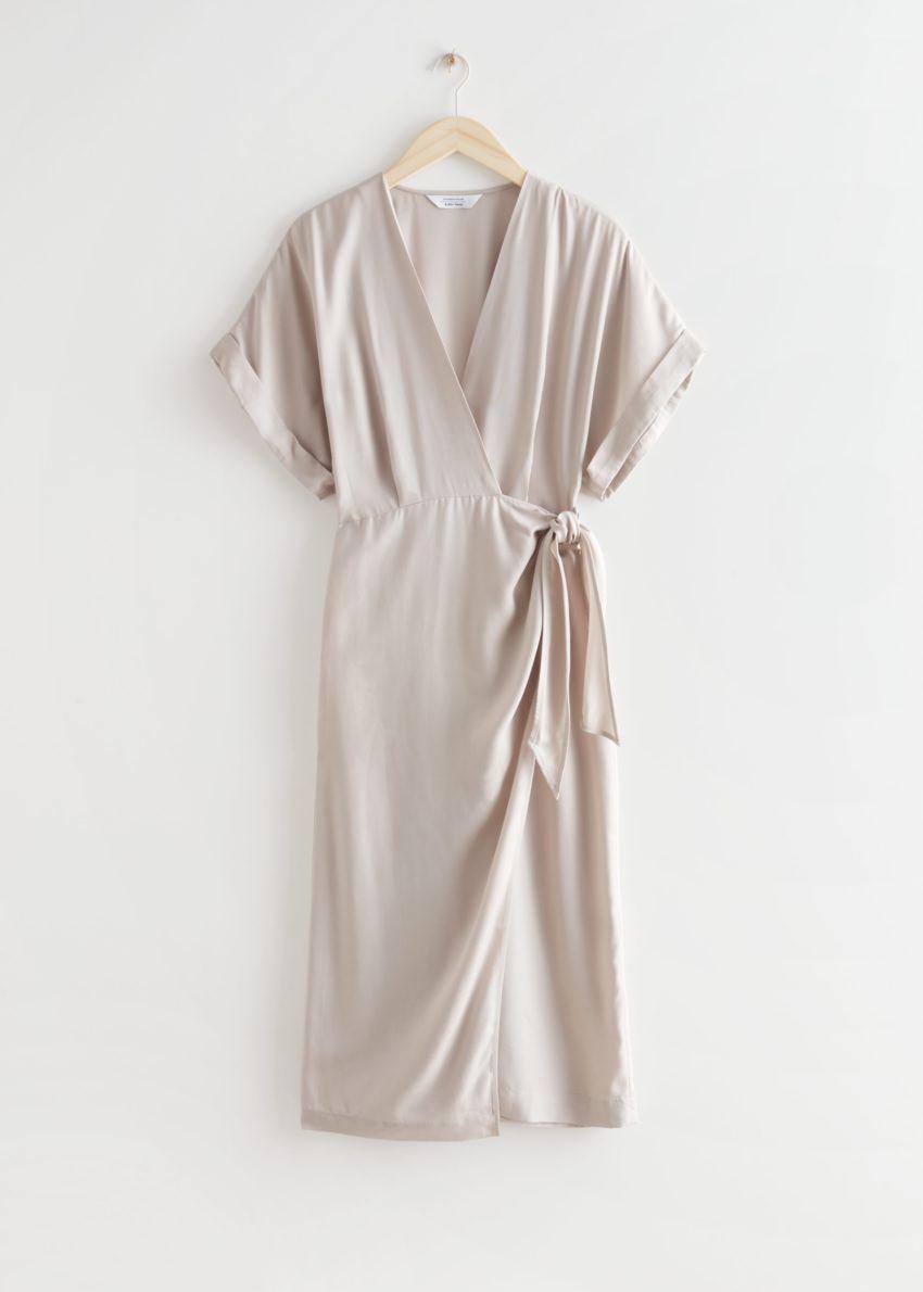 앤아더스토리즈 폴드-업 슬리브 미디 랩 드레스의 몰컬러 Product입니다.