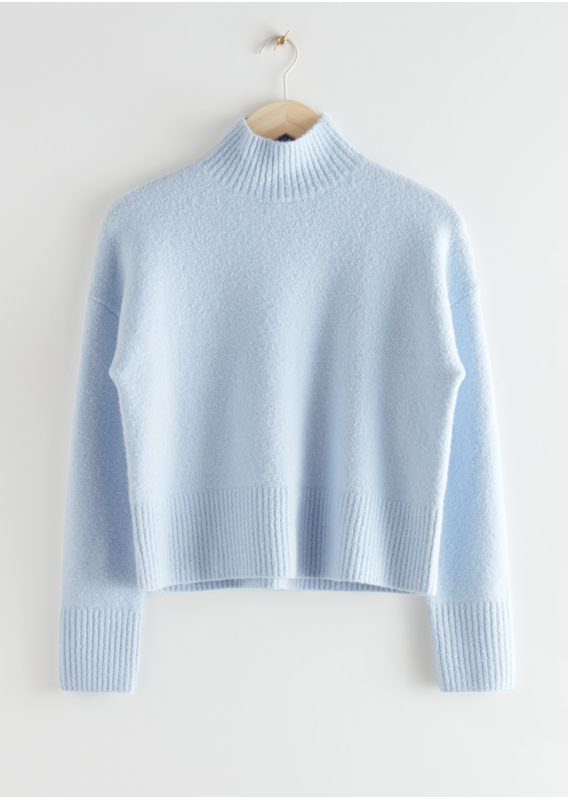 &OS image 10 of 블루 in 크롭 모크 넥 스웨터